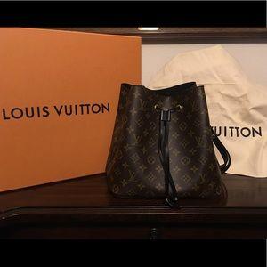 Louie Vuitton Monogram Neonoe Black
